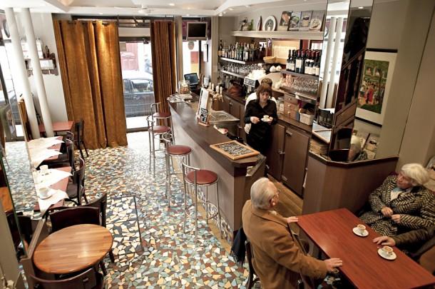 Onde Comer perto da Torre Eiffel - Paris - Café Constant