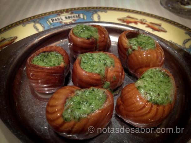 Entrada no restaurante de Paul Bocuse: Escargots com manteiga de ervas