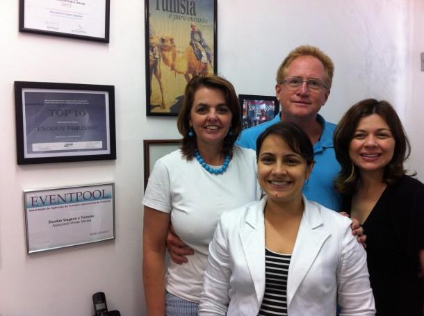 Pais com as Consultoras Tatiana Camargos e Moema Brandão